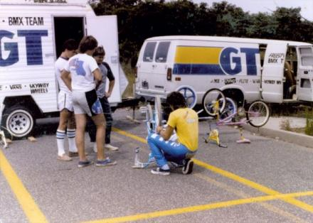 GT Tour 85 van and trailer.jpg